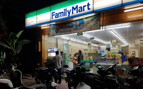 Nữ sinh viên ở bị trộm xe máy ở FamilyMart, đại diện cửa hàng cho biết không có trách nhiệm hỗ trợ bồi thường