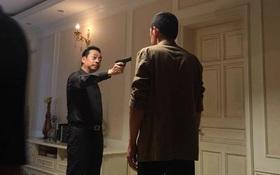 """Lộ cảnh phim cuối cùng của """"Người phán xử"""": Phan Quân bắn Lương Bổng?"""