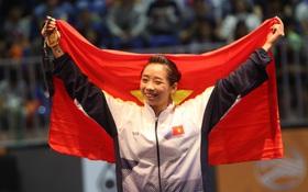 Dương Thúy Vi giành HC vàng nội dung biểu diễn thương thuật