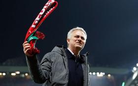 Mourinho đang thành công còn Man Utd thì… thất bại