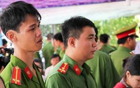 Đồng đội nghẹn ngào tiễn đưa chiến sĩ PCCC hy sinh khi tham gia dập lửa tại ngôi nhà ở Sài Gòn