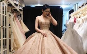 Ngọc Lan rạng rỡ đi thử váy cưới với Thanh Bình