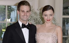 Miranda Kerr tiết lộ sẽ chờ đến sau đám cưới mới sinh con cho bạn trai tỷ phú