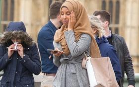 Người phụ nữ Hồi giáo trong bức ảnh đi cạnh nạn nhân khủng bố Anh lên tiếng