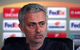 """Mourinho cảnh báo Martial: """"Theo cách của tôi hoặc ra đi"""""""