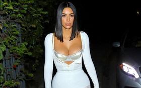 """""""Gái 2 con"""" Kim Kardashian siêu nóng bỏng trên phố với eo thon, vòng 1 căng đầy"""