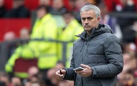 Mourinho hãy thôi lèm bèm, nhìn Sir Alex Ferguson mà học