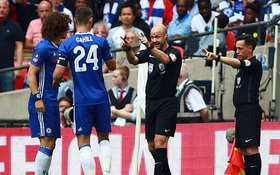 Chelsea điên tiết vì trọng tài bẻ còi công nhận bàn mở tỷ số của Arsenal