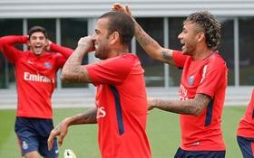 Neymar cười tươi hết cỡ trong buổi tập đầu tiên ở PSG