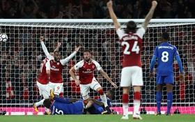 Arsenal thắng nghẹt thở trước Leicester ngày mở màn Premier League