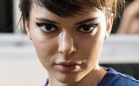 Không photoshop, siêu mẫu quốc tế như Kendall Jenner cũng lộ làn da nổi mụn sần sùi kém sắc!