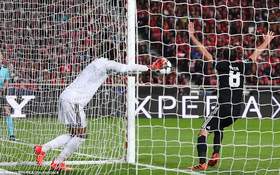 Rashford ghi bàn tinh quái, Man Utd đánh bại đội bóng cũ của Mourinho