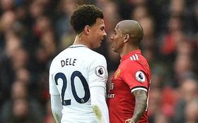 Sao Tottenham nói gì khiến Ashley Young nóng mặt, lao vào xô xát
