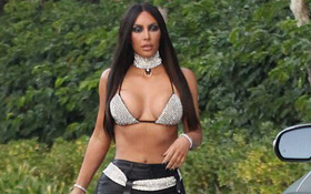 Khoe đường cong sexy với trang phục Halloween, Kim Kardashian gây tranh cãi vì nghi vấn kỳ thị chủng tộc