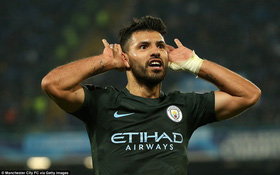 Man City giành vé đi tiếp sau cơn mưa bàn thắng ở Napoli