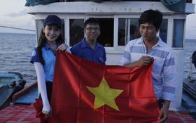 """Chi Pu: Những ngày đồng hành cùng """"Sinh viên với biển đảo Tổ Quốc"""" tại đảo Phú Quý là quãng thời gian vô cùng đặc biệt"""