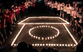Đêm ra trường ngập tràn ánh nến, thắp vạn điều ước tuổi 18 của học sinh trường chuyên Lê Hồng Phong