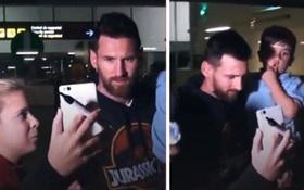 Đón bố Messi ở sân bay, bé Thiago gây sốt bởi những cử chỉ dễ thương
