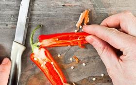 4 cách cắt ớt không bỏng tay, người mê ăn cay mà bỏ qua thì quá phí!