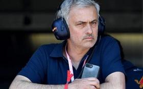 Mourinho nóng mặt khi Man Utd lề mề trên thị trường chuyển nhượng
