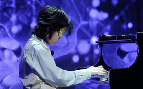 Mặt trời bé con: Thần đồng piano 8 tuổi về Việt Nam và gây choáng với tiết mục vừa đàn vừa bịt mắt