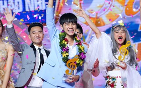 """Cao Bá Hưng lên ngôi Quán quân """"Sing My Song"""" mùa đầu tiên!"""