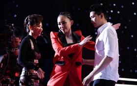 """Thu Minh rơm rớm nước mắt khi học trò được Tóc Tiên """"cứu"""" vào phút chót"""