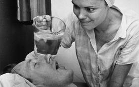 """Những phương pháp """"dị hợm"""" được sử dụng để ngăn ngừa ngáy ngủ"""