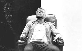 Ảnh chế: Wenger ngồi ghế điện sau trận thua 0-3 của Arsenal
