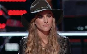 Bị gia đình từ mặt vì đồng tính, cô gái này vẫn rất kiên cường tại The Voice Mỹ!