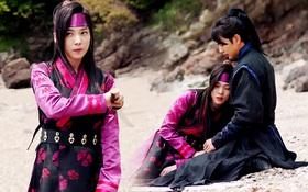 """Đố kị với Kim So Hyun, nữ phụ """"Quân Chủ"""" tự tay """"xẻo thịt"""" mình"""
