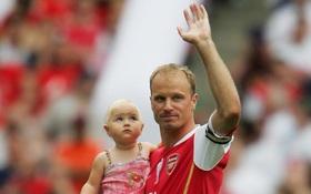 Huyền thoại Dennis Bergkamp: Thiên sứ bóng đá đẹp