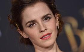 """Emma Watson: """"Hoa hồng đẹp nhất nước Anh"""" giờ bỗng tàn phai nhan sắc nhanh chóng"""