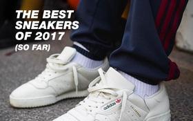 Điểm mặt 10 đôi sneaker đẹp nhất năm 2017