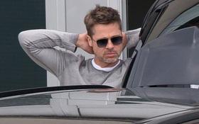 Brad Pitt xuất hiện ủ rũ vì cô đơn khi Angelina Jolie đưa các con đi xa