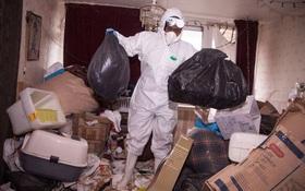 Ngôi nhà bẩn nhất thế giới: Rác đầy ngập mặt vì 4 năm không được dọn dẹp