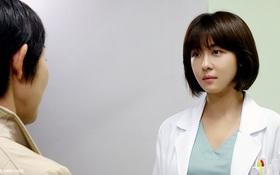 """Ngán ngẩm xem Ha Ji Won một mình """"gánh team"""" trong """"Hospital Ship"""""""