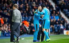Tiếc cho Petr Cech, tiếc cho Arsenal