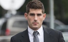 CLB Anh tái sử dụng cầu thủ từng bị kết tội hiếp dâm