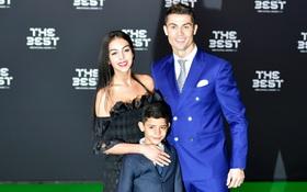 Cặp song sinh nhà Ronaldo đã chào đời nhờ đẻ mướn?