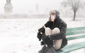 Hoài Linh cô đơn, co ro trong tuyết lạnh xứ người