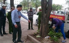 Thêm 2 người bị phạt 4 triệu đồng vì tiểu bậy ngoài đường phố Hà Nội