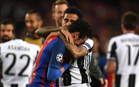 Alves nói gì với Neymar khi chứng kiến đàn em khóc như mưa?