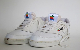 Có lẽ bạn chưa biết Apple từng làm cả giày thể thao và giá trị của nó sẽ khiến bạn bật ngửa