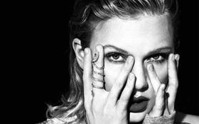 """Doanh số """"Reputation"""" của Taylor Swift dự kiến cao gấp 5 lần album của Katy và 22 lần album của Miley"""