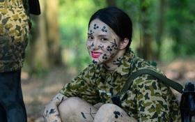 Sao nhập ngũ: Hương Giang Idol nữ tính, lăn xả trong quân đội