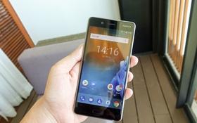 Trên tay Nokia 8 mới ra mắt tại Việt Nam: Máy đẹp và cầm nắm rất thoải mái