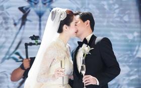 Ảnh đẹp: Đặng Thu Thảo e ấp hôn má chú rể Trung Tín trong ngày trọng đại