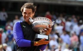 """Rafael Nadal hóa """"huyền thoại bất tử"""" với 10 lần vô địch Pháp Mở rộng"""