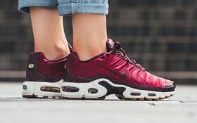 Điểm mặt 5 mẫu giày thể thao satin đẹp không kém giày mới ra mắt của Zara